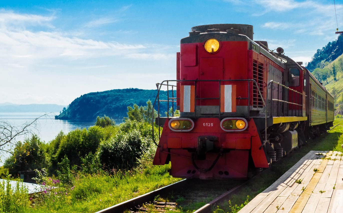 7 of the World's Greatest Train Journeys