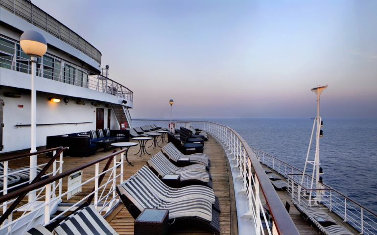 Relaxation at the deck area