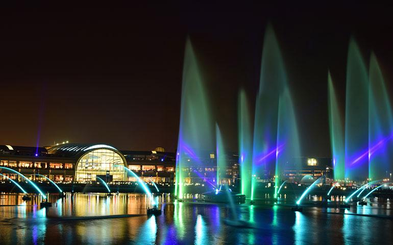 Dubai Mall Fountain Dance